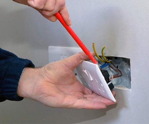 The Importance of Hiring a Qualified Electrician in Melbourne